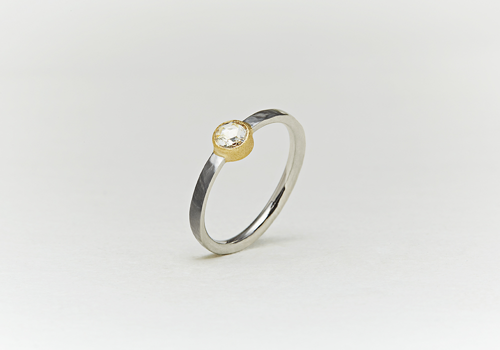 "Engagement ring-E-005〔 Solitaire Combination Ring 〕"" Unite have a new life together. "" /PT900+K18YG 180,000~"