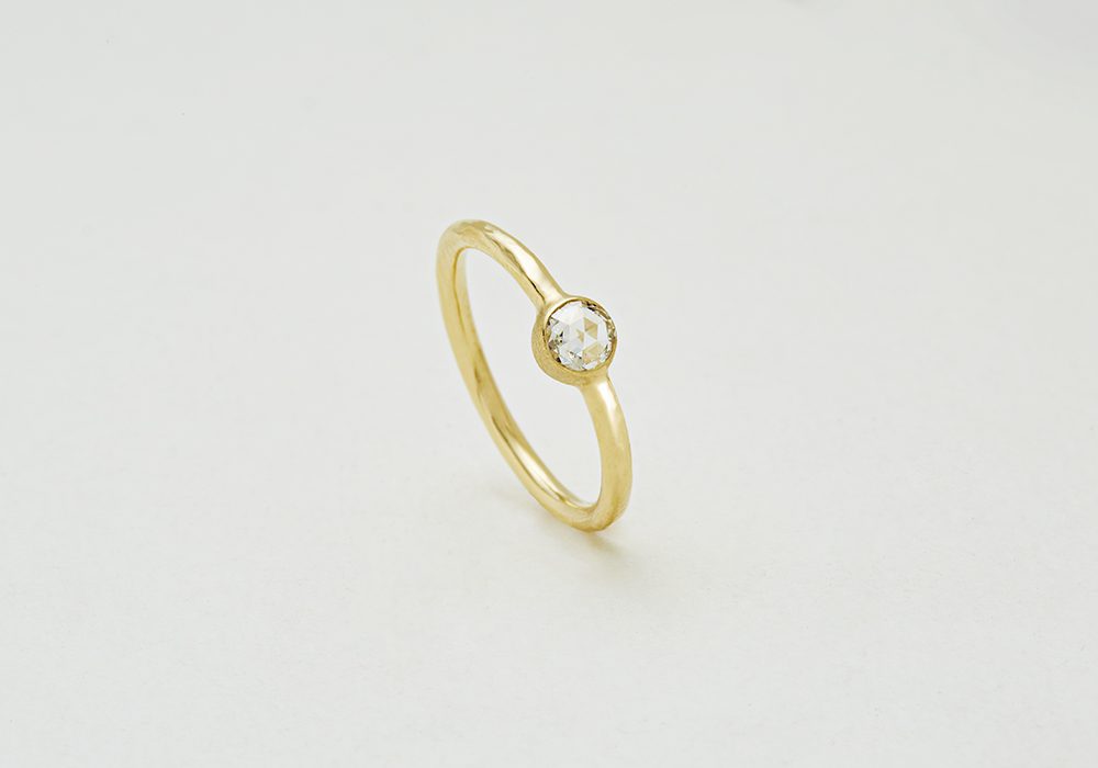 "Engagement ring-E-006〔 Solitaire Simple Ring 〕"" Wrapped with pure love. "" /K18YG 170,000~"