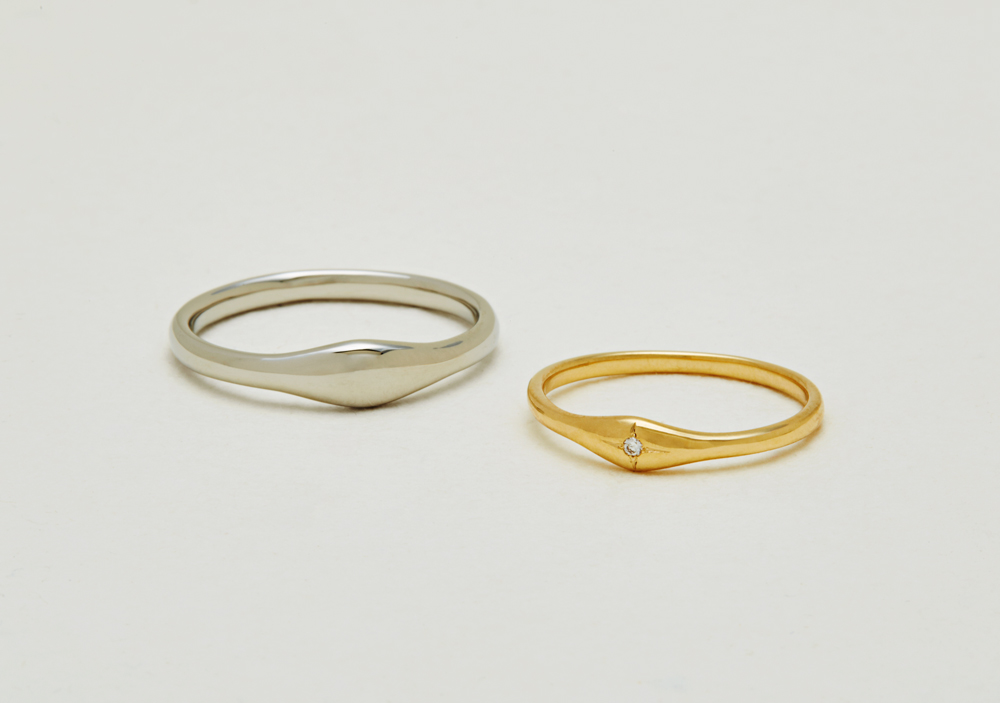 "Marriage ring-M-003〔 Curved Ring 〕"" Sharing calm and easy time together. "" / men's:PT900 100,000~/ women's:K18YG 80,000~"