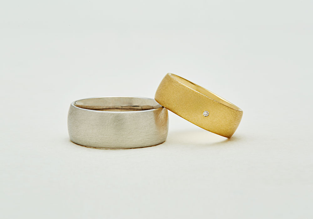 "Marriage ring-M-004〔 High Dome Ring 〕"" Deep each other and have a gentle time. "" / men's:PT900 300,000~/ women's:K18YG 200,000~"